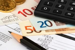 Unter bestimmten Voraussetzungen kann nach der Abtretung der Lebensversicherung eine Steuer anfallen.