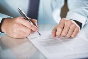 Wenn Kunden eine Kapitallebensversicherung kündigen, erhalten diese den Rückkaufswert.