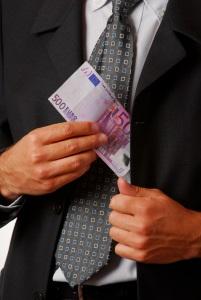 Wenn Kunden die Lebensversicherung beitragsfrei stellen, können sie Geld sparen, erzielen allerdings auch keine Gewinne.