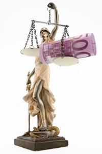Ein BGH-Urteil sichert auch bei einer alten Lebensversicherung das Widerrufsrecht für den Kunden.