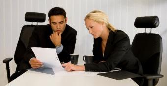 Der Versicherungsnehmer kann sich bei der Versicherung nach dem Rückkaufswert für seine fondsgebundene Lebensversicherung erkundigen.